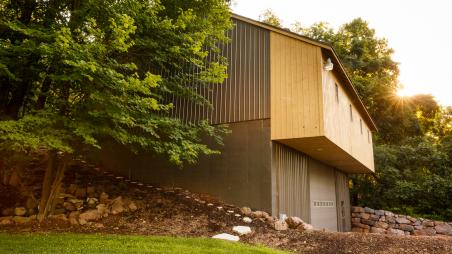 Barn, garage, and shop built by Byler Builders